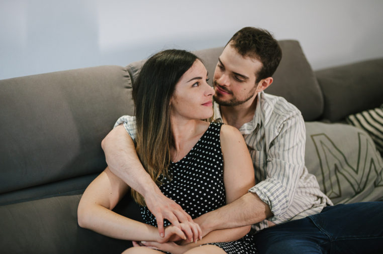 G+M-mamaphoto-at-home-engagement-session-cesena-36