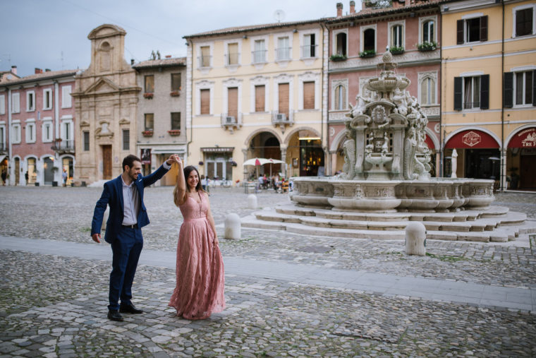 G+M-mamaphoto-at-home-engagement-session-cesena-75