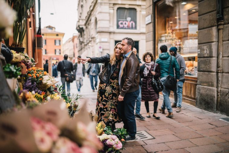 city engagement photos in Italy